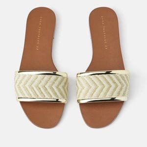 ZARA Flat Natural Woven Sandals / Slides Ecru